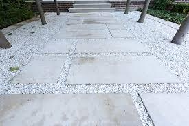 white-stone-mulch